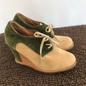 Pilcro and The Letterpress Green/Tan Wedges